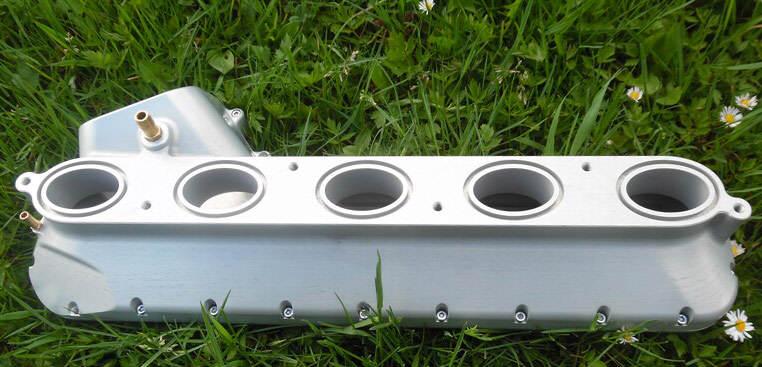 Aluminiowy kolektor dolotowy VOLVO - FORD - zamiennik za numer części 31293294