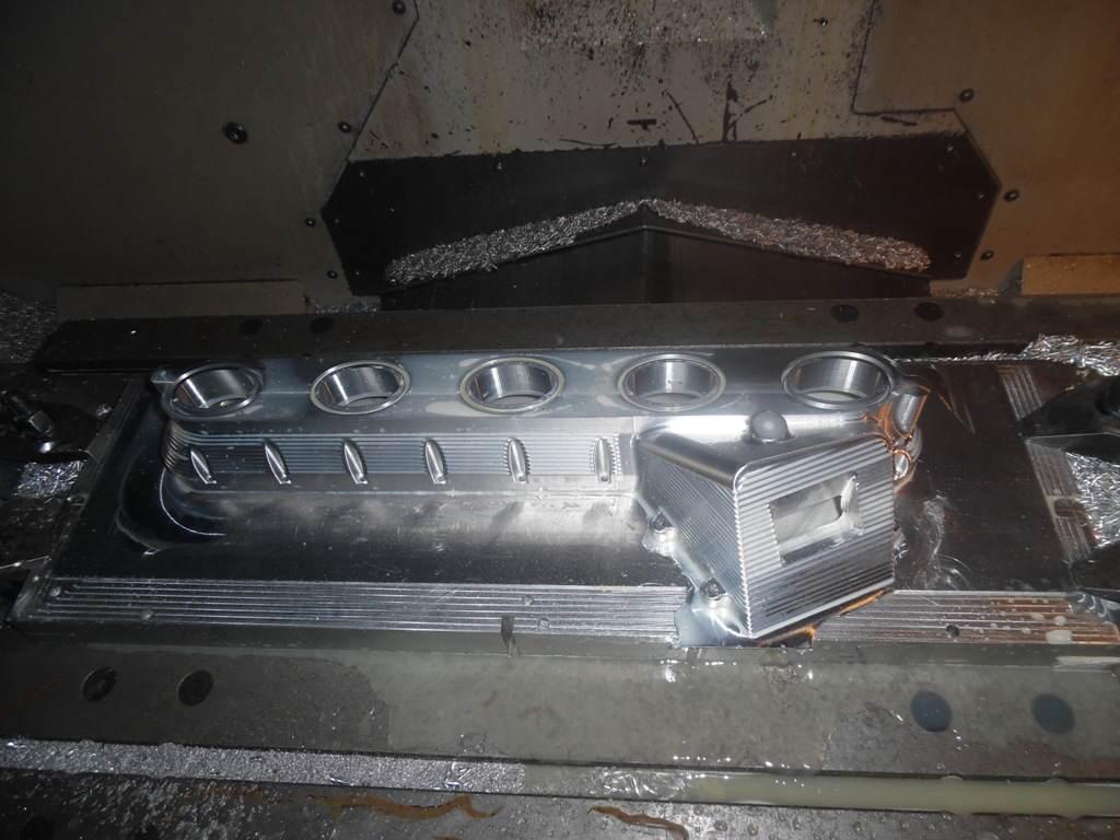 kolektor-ssacy-volvo-aluminium