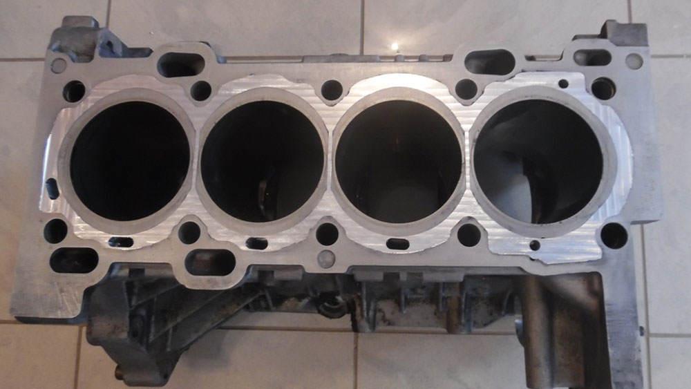 zamkniety-silnik-volvo-B4204T